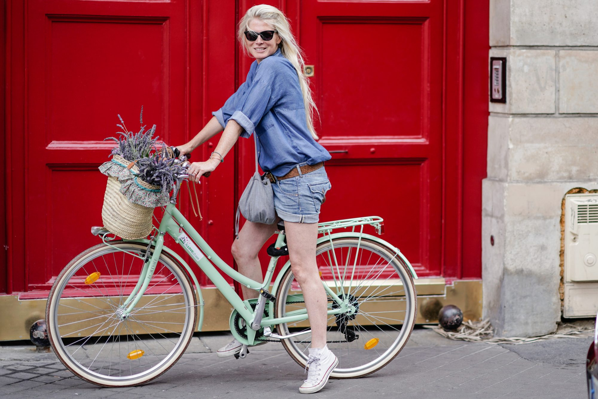 Cycle Chic: Merchandising for Movement